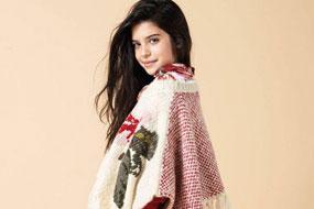 Pitti Bimbo童装展本季迎来了低于10000名的参展者,共计445个系列展览,依然是最大的国际童装展。今年,Scotch & Soda等品牌的回归受到了热烈欢迎,展区也进一步扩大,集中重点突出一些新的品牌。