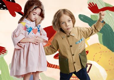 衬衫作为一年四季中必备的百搭单品,在实用性上更为广泛,本季设计师品牌中衬衫则更为重视色彩和细节。极具个性的领口和门襟、加入设计师们原创的趣味印绣花等元素,打造出新一季的衬衫设计风潮。