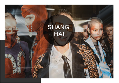 """重見是對過去的繼承,重見亦是對當下的思考,重見更是對未來的希冀。上海時裝周將助力上海打響""""四大品牌""""的戰略部署,進一步提升上海在全球時尚領域的影響力!近年來越來越多的明星創始人也紛紛加入時尚品牌陣營,ANIRAC(劉嘉玲)、SOLO CELEB. &HTDG(古巨基)、DEBRAND(吳克群)這些明星自創品牌中的佼佼者,將為上海時裝周秀場增添熠熠星輝。"""
