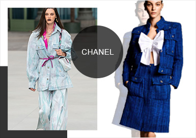 "Chanel 2020早春度假系列于巴黎大皇宮(Grand Palais)發布。這次大秀的主題為""Destination CHANEL"",是Virginie Viard獨當一面設計的第一季,也是時尚界見證歷史性一刻的系列,在這個系列中,Virginie傳承了嘉柏麗爾·香奈兒和卡爾·拉格斐的精神理念,并以其特有的清新細膩,打造基于純粹和嚴謹的奢華優雅,繼續香奈兒的故事與旅行。"