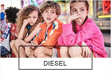 """来自意大利的著名品牌Diesel,一直以""""另类?#32972;?#38712;时尚圈,?#38750;?#29305;立独行的创立者伦佐·罗索(Renzo Rosso)一直努力探索能领导时尚态度的想法和设计,一直保持着高品质和创新?#40644;?#30340;风格。Diesel在19?#21512;?#20013;强势推出""""Make Your Way, The Successful Way""""的宣传主题,让人凭借锐意创新,无须默守陈规,诚于自我?#25353;有摹?#20986;发看待真实的?#32422;海?#25954;于?#38750;?#20869;心的梦想,活出属于?#32422;?#30340;精彩人生。本季新品的设计灵感源?#32422;?#38480;运动、机车越野赛及90年代的电子游戏画面,通过潮酷的文字印花、章仔贴布、个性做旧和猛兽?#21450;?#31561;工艺和细节,让童装俏皮中?#30343;?#20010;性。"""