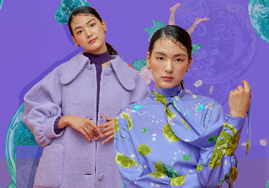 "Gocori是一個韓國設計師品牌,新一季以""童話為你""的座右銘制作成人童話故事。每季都忠于尋求細膩野丫頭的時尚美學,擅長運用故事來貫穿系列作品,簡約的剪裁和精致的細節演繹,隨處可以鋪捉到童話少女的影子。Gocori的2019春夏系列童話故事""A Well of Mind""是關于一個心智健康的女孩,在鹿和鯨魚的世界中旅行的故事。19/20秋冬以""Unconscious Lumps""為主題,無意識萌生的腫塊(由焦慮、內傷、害羞、無助和犯罪組成)試圖淹沒女孩內心的善良與心智,在對抗中,女孩用溫暖的花和鯨魚的美好感化了腫塊,消融過后帶來的喜悅香味充滿了女孩的內心。"