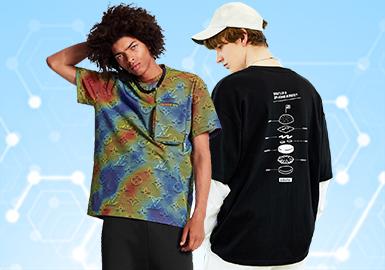 根据POP1月份用户下载量的TOP100男装T恤数据分析,时尚休闲相较于上月增长趋势明显,街头潮牌类和运动休闲类都有下降趋势。图案元素还是以文字和人物为主,而相较于上月字母元素增长7%,工艺方面拼接设计、绣花和贴布各占据一小部分。文字和印花工艺依然是T恤设计的重点,品牌的logo设计也不容忽视。拼接设计在本月的关注多体现在同色或相近色拼接,彰显高级感。