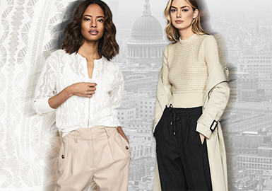 Reiss是英国本土轻奢品牌,创立于1971年,简洁的廓形、高级的剪裁适合于通勤装的穿搭,深受消费者喜爱,同时吸引了好莱坞明星、皇室成员的目光,凯特王妃更是在自己的订婚宴上身着Reiss礼服,优雅亮相,以平易近人的时尚品味征服了大众。2020春夏Reiss为都市女性提供了夏日通勤、约会等多种场合自由搭配的空间,在结伴出行的街头,通过有型穿搭凸显英伦风貌。