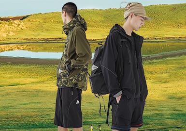 设计师池内启太与森美穂子,在大学毕业后加入了 ISSEY MIYAKE 担任设计和采购工作,及后于 2011 年开创个人户外品牌 And Wander,希望透过服装表达到享受登山运动之情,作品亦以其独特并且富有时尚感的机能设计而闻名。