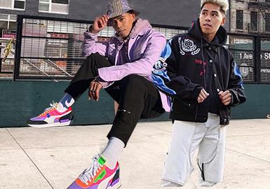 亚裔时尚博主Anthony Urbano是美国著名时尚杂志Details网络版专栏作家,除此之外也拥有自己的博客。从结构工程师到男装博主的转换让他在服装选择上有着自己的独特风格见解。近期的他更是以大胆的色彩组合和创新的合身性突破经典外观的界限。