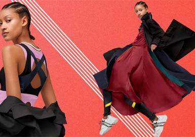 """Lululemon被誉为""""加拿大第一专业运动品牌""""。在全球拥有将近360家门店,在北美,它是人们进行瑜珈、健身等的运动服饰首选。Lululemon从众多体育服装品牌中脱颖而出,成为瑜伽服和时尚的代名词。首先是Lululemon的消费群体定位于""""新型中产阶级"""",即25-40岁之间的职场女性。 这种生活方式是一种积极、阳光的生活状态,被称作""""sweat life""""(大汗淋漓的生活方式)。除了生产和销售瑜伽服,Lululemon引导的更是一种生活方式和理念。lululemon最为人称道的就是:它有一种特殊的社区文化,其推广其品牌的方式主要是用户社区。因此,Lululemon每进入一个新的城市或者国家,都会通过show room和ambassador的形式,首先建立社区,让人们感知品牌,建立客户关系,从而融入当地市场。""""Lululemon并不只强调功能性,我们也在塑造一种生活方式。"""""""
