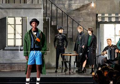 Alexandre Mattiussi 意图打造更加贴近现实生活的时装,品牌所孕育的设计深度契合了这一使命,成衣的精妙剪裁中透露着对简约之美和时下风潮的坚定追求, 每一季的成衣除了品牌经典款之外,总会见到各式各样的新颖设计。Ami推出的成衣系列为男性打造出理想中的衣橱,在日常百搭款与随性街头风之间寻得平衡。
